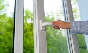 Signs That You Need Vinyl Replacement Windows